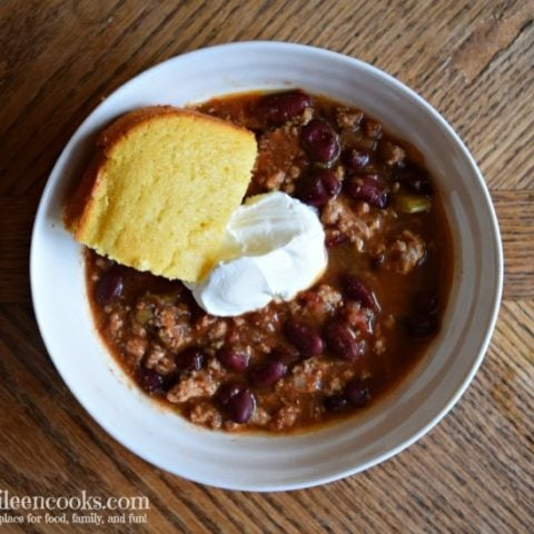 Crockpot Turkey Chili is a healthy slow cooker meal made with lean ground turkey and lots of vegetables. Recipe from aileencooks.com.