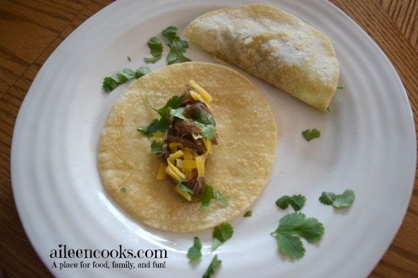 Crockpot Beef Tacos Recipe. This slow cooker recipe is easy to make using a chuck roast