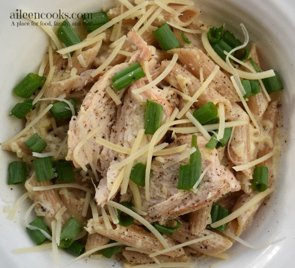 Copycat Cajun Chicken Pasta recipe is an easy 30 minute meal. Kid friendly and filling. Anyone who loves pasta will love this fillig pasta recipe. Recipe from aileencooks.com