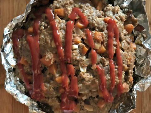 Instant pot meatloaf with potatoes and carrots is a pot in pot recipe for the instant pot electric pressure cooker. This meatloaf is filled with ground beef, italian sausage, carrots, onions, and lots of delicious spices! It's the perfect comfort food!