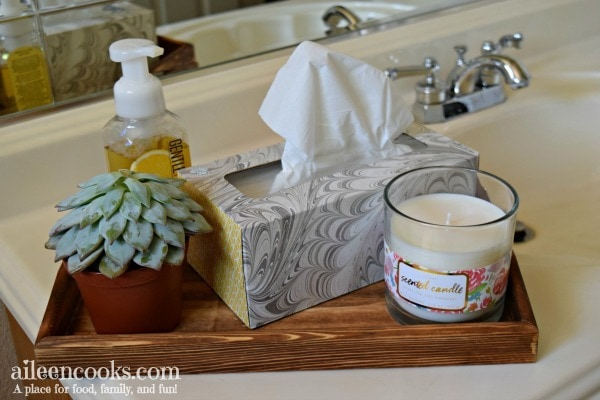 Make your own modern farmhouse bathroom tray. [ad]