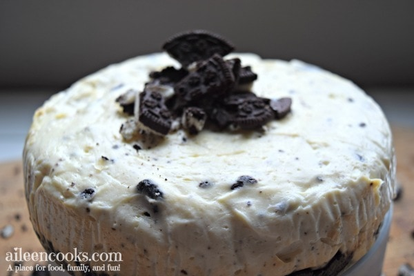 I made this oreo cheesecake in my instant pot and it was so good! If you have a pressure cooker , then you need to try this recipe for instant pot oreo cheesecake.