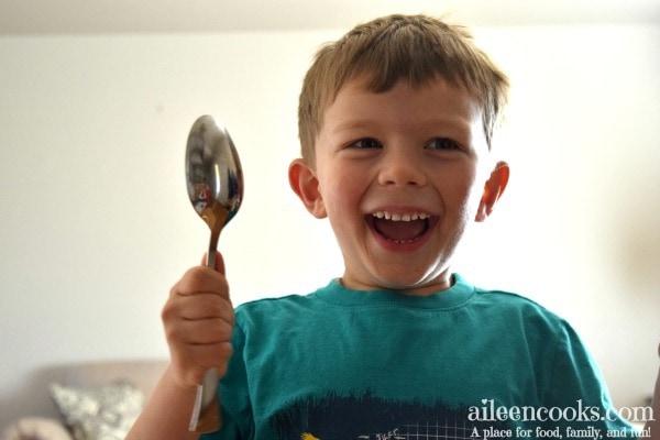 boy-spoon-happy