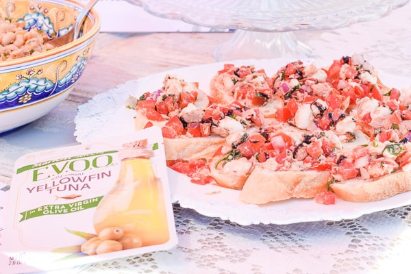 tuna bruschetta made with fresh ingredients and featuring StarKist Selects EVOO