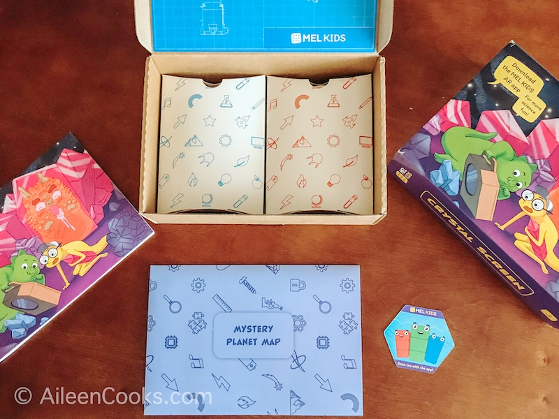 Inside the Mel Kid STEM Box
